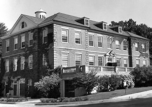 Pettee Hall with UNH water tank in background, June 1960.