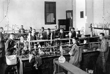 Group of students work in a laboratory