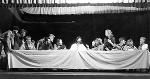 Students portray da Vinci's Last Supper