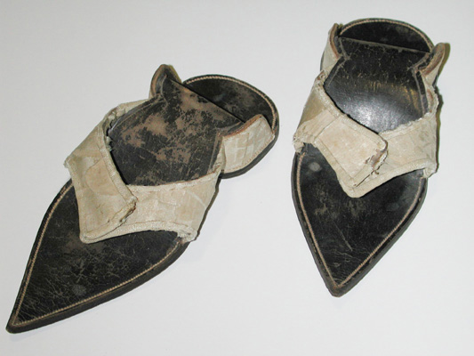 Two pointed sandals